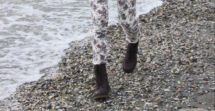 outfit_greyjacket_print_pants1