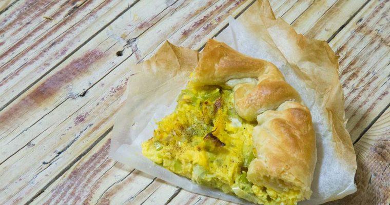 Veg: Torta salata curry, porro e crema di cavolfiore
