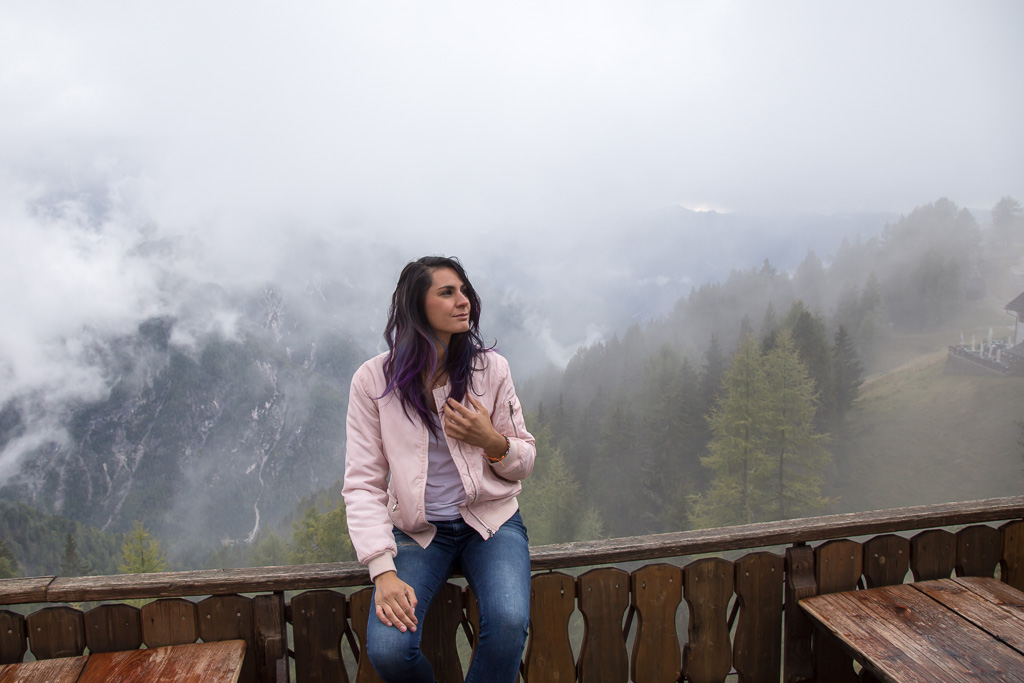 Pranzo tra amici al rifugio Meshnik sul monte Lussari